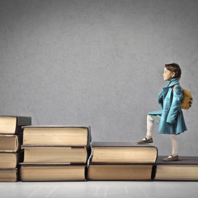 עריכה לשונית ילדה על ספרים